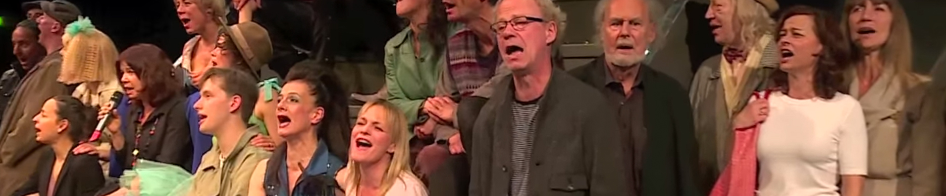 Alle singen zusammen Marais Lied